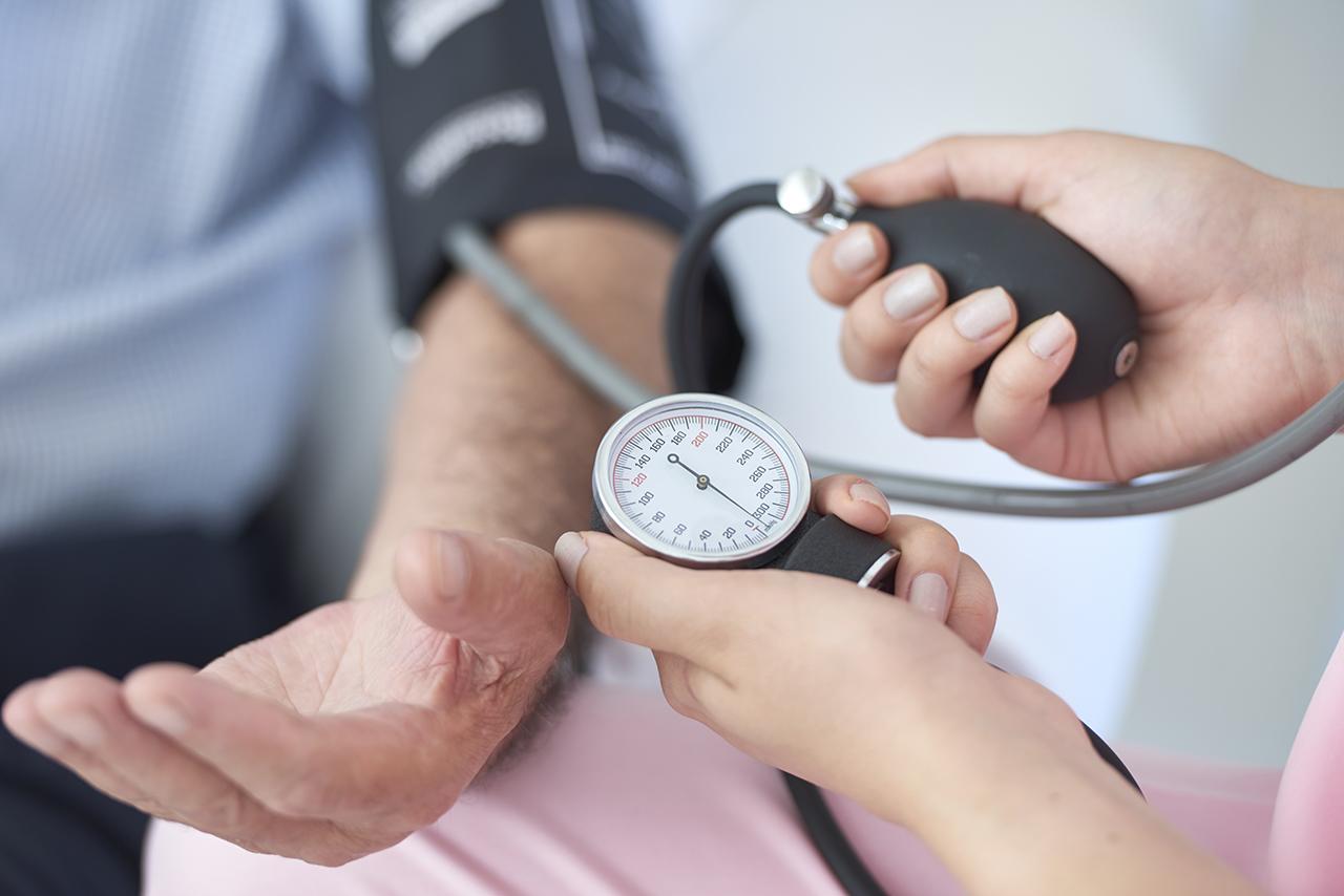 ¿La presión arterial se ve afectada por la apnea del sueño?